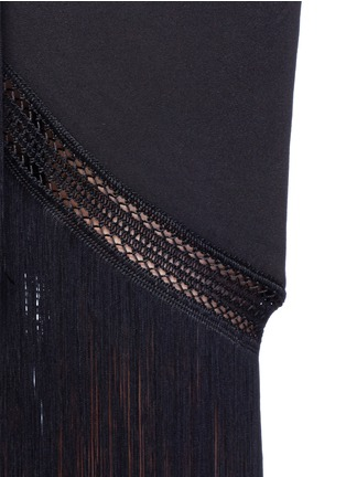Detail View - Click To Enlarge - 72723 - Macramé fringe crepe skirt