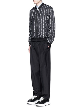 Figure View - Click To Enlarge - ALEXANDER MCQUEEN - Barb wire print bomber jacket