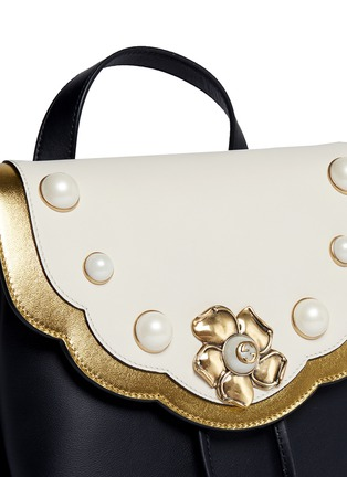 Detail View - Click To Enlarge - Gucci - 'Peony' floral faux pearl stud leather chain backpack