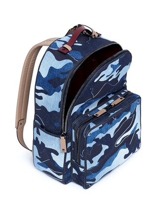 Detail View - Click To Enlarge - Valentino - Camouflage patchwork denim backpack