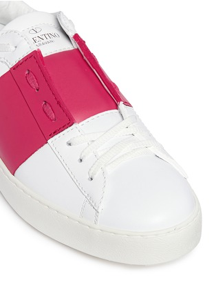 Detail View - Click To Enlarge - Valentino - 'Rockstud' colourblock leather sneakers