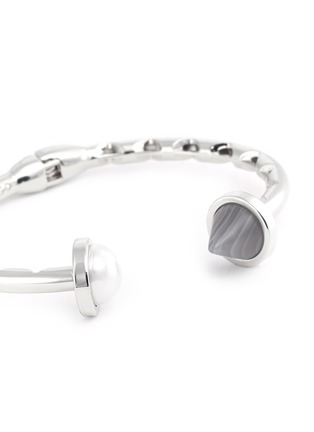 Detail View - Click To Enlarge - Eddie Borgo - Agate cone pearl hinge cuff