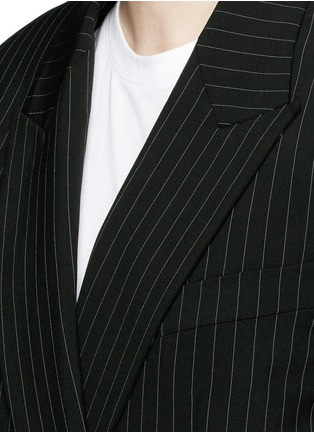Detail View - Click To Enlarge - DKNY - Oversize double breasted pinstripe suit jacket