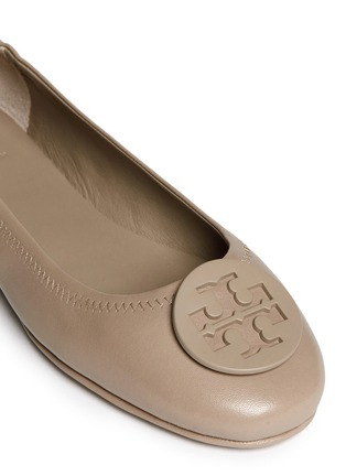 Detail View - Click To Enlarge - Tory Burch - 'Minnie Travel' leather ballet flats