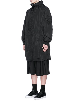 Front View - Click To Enlarge - McQ Alexander McQueen - Crinkled tech cotton hood parka