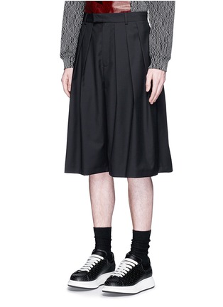 Front View - Click To Enlarge - McQ Alexander McQueen - Triple pleat wool kilt shorts