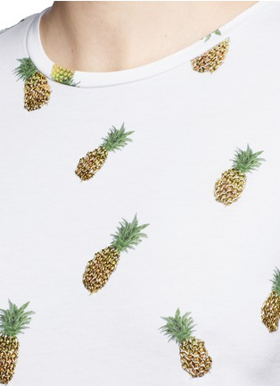 Detail View - Click To Enlarge - alice + olivia - 'Robin' pineapple embellished T-shirt
