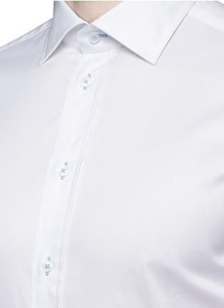 Detail View - Click To Enlarge - Armani Collezioni - Contrast shoulder cotton shirt