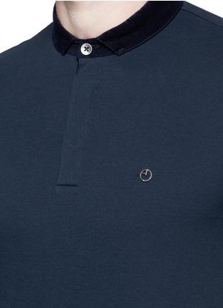 Detail View - Click To Enlarge - Armani Collezioni - Velvet collar slim fit polo shirt