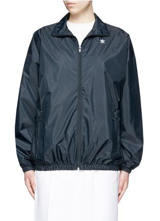 Main View - Click To Enlarge - ADIDAS X HYKE - 'HY Windbreaker' batwing sleeve jacket
