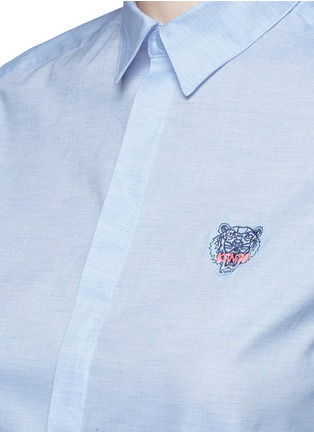 Detail View - Click To Enlarge - KENZO - Tiger embroidery Oxford shirt