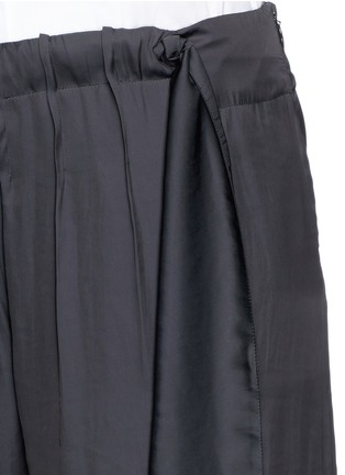 Detail View - Click To Enlarge - Cédric Charlier - Gathered waist satin wide leg pants