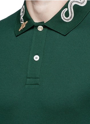 Detail View - Click To Enlarge - Gucci - Snake and bee embroidery polo shirt