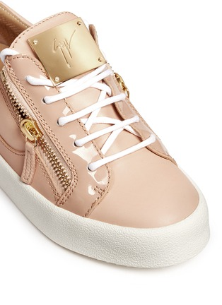 Detail View - Click To Enlarge - Giuseppe Zanotti Design - 'London' leather low top sneakers