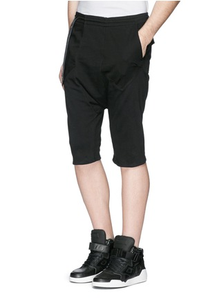 Front View - Click To Enlarge - SIKI IM / DEN IM - Off-centre drawstring drop crotch shorts