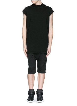 Figure View - Click To Enlarge - SIKI IM / DEN IM - Off-centre drawstring drop crotch shorts