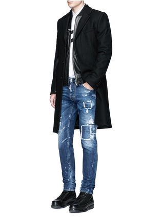 Figure View - Click To Enlarge - 71465 - 'Cool Guy' rip and repair jeans