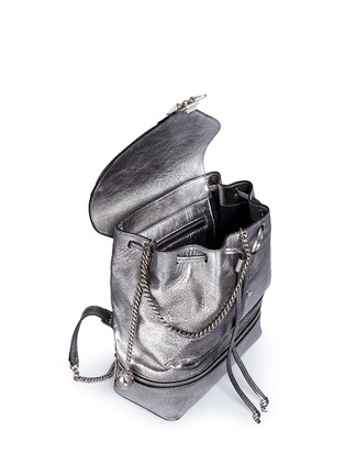 Detail View - Click To Enlarge - ALEXANDER MCQUEEN - Small charm chain metallic pebbled leather backpack