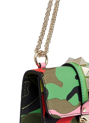 Detail View - Click To Enlarge - Valentino - 'Camupsychedelic Rockstud Lock' mini leather chain bag