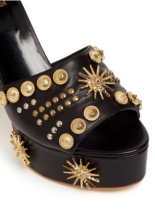 Detail View - Click To Enlarge - FAUSTO PUGLISI - Zigzag heel metal stud leather mule sandals