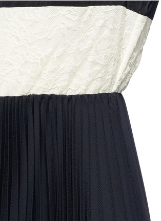 Detail View - Click To Enlarge - alice + olivia - 'Gale' lace insert plissé pleat skirt chiffon dress