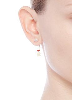 Delfina Delettrez 'ABC Micro Lips Piercing' freshwater pearl 18k yellow gold single earring – B