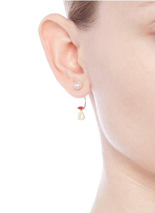 Figure View - Click To Enlarge - DELFINA DELETTREZ - 'ABC Micro Lips Piercing' freshwater pearl 18k yellow gold single earring – D