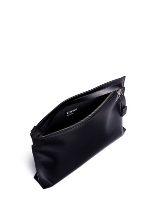 Detail View - Click To Enlarge - LOEWE - 'T Pouch' large leather zip clutch