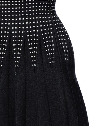 Detail View - Click To Enlarge - Alexander McQueen - Geometric jacquard pleated knit skirt