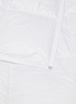 Detail View - Click To Enlarge - BRINKHAUS - Chalet goose down Medicott cotton light duvet - Queen size