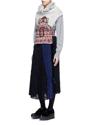 Figure View - Click To Enlarge - TOGA ARCHIVES - Rug jacquard wool blend knit belted neck warmer