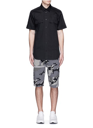 Figure View - Click To Enlarge - Neil Barrett - Keffiyeh check camouflage print bonded shorts