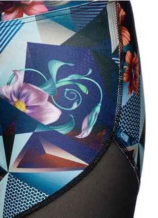 Detail View - Click To Enlarge - We Are Handsome - 'The Score' print bike shorts