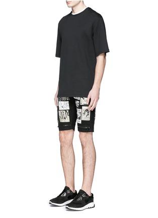 Figure View - Click To Enlarge - Haculla - Art patchwork appliqué denim shorts
