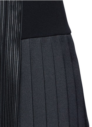 Detail View - Click To Enlarge - Neil Barrett - Satin stripe pleat crepe dress