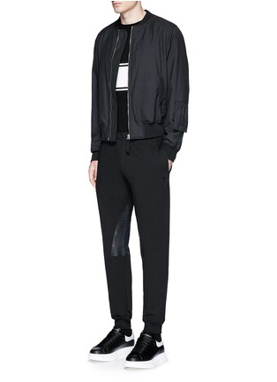Figure View - Click To Enlarge - Alexander McQueen - Perforated leather patch jogging pants