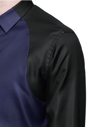 Detail View - Click To Enlarge - Alexander McQueen - Contrast sleeve Oxford shirt