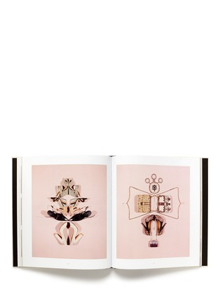 Figure View - Click To Enlarge - Valentino - Valentino: Objects of Couture Deluxe Edition