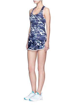 Figure View - Click To Enlarge - We Are Handsome - 'The Cascade' tidal wave print active running shorts