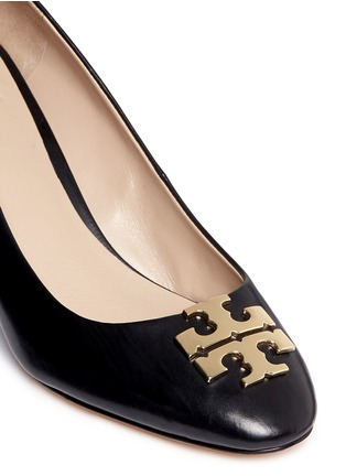 Detail View - Click To Enlarge - Tory Burch - 'Raleigh' metal logo leather wedge pumps