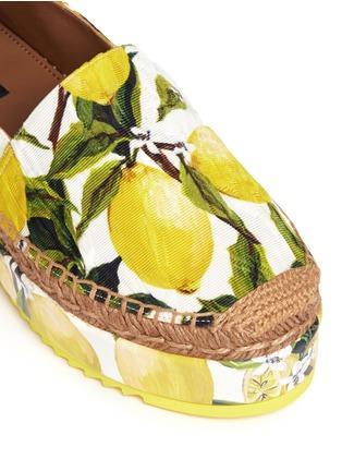 Detail View - Click To Enlarge - Dolce & Gabbana - Lemon print brocade flatform espadrille slip-ons