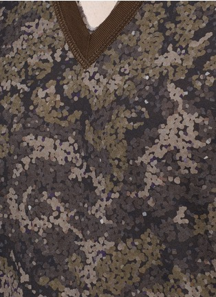 Detail View - Click To Enlarge - Dolce & Gabbana - Digital camouflage print V-neck T-shirt