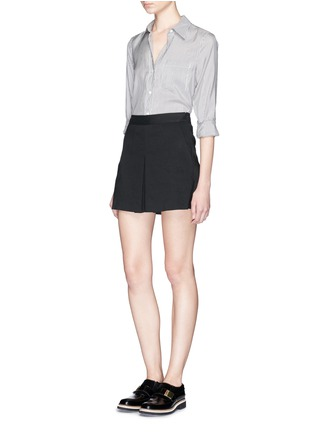 Figure View - Click To Enlarge - Theory - 'Taminara' inverted pleat linen shorts