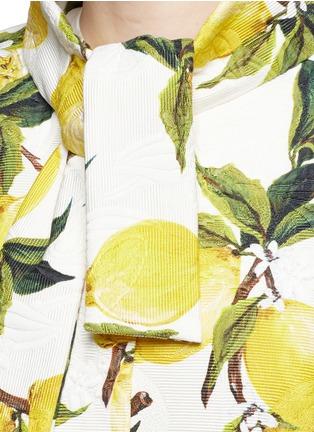Detail View - Click To Enlarge - Dolce & Gabbana - Lemon print brocade pleat back coat
