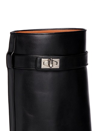 Detail View - Click To Enlarge - Givenchy - Shark tooth lock wedge boots