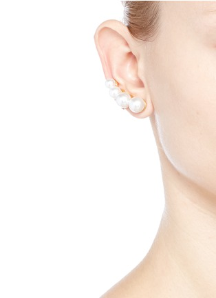 Figure View - Click To Enlarge - Kenneth Jay Lane - Glass pearl climber earrings