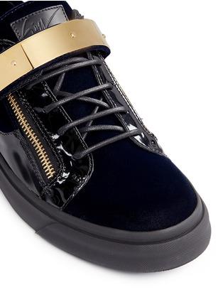 Detail View - Click To Enlarge - Giuseppe Zanotti Design - 'London' velvet low top sneakers