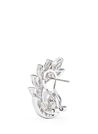 Detail View - Click To Enlarge - CZ by Kenneth Jay Lane - Faux pearl cubic zirconia vine clip earrings