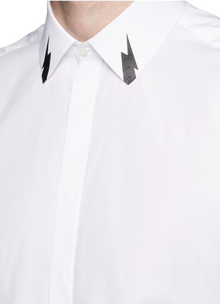 Detail View - Click To Enlarge - Neil Barrett - Thunderbolt print collar poplin shirt