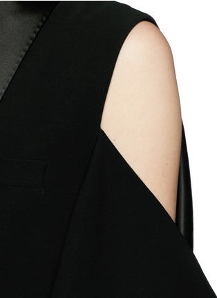 Detail View - Click To Enlarge - Givenchy Beauty - Satin shawl lapel cold shoulder jacket